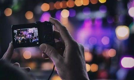 快放下手机,研究发现持续拍照会影响你的记忆力!
